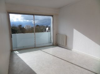 Location  CHOLET appartement 4 pieces, 131m2 habitables, a LA VERRIE