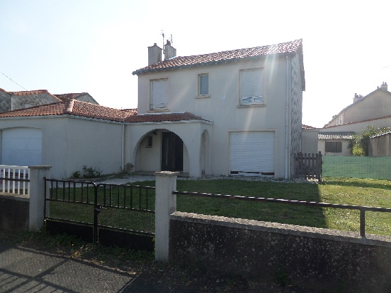 location maison VILLEDIEU LA BLOUERE 6 pieces, 150m